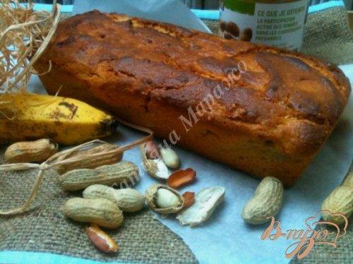 Арахисовый кекс с бананами