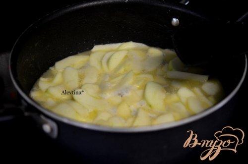 Яблочный пряный кекс с глазурью