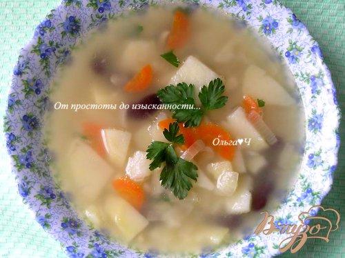 Суп с кальмаром и фасолью