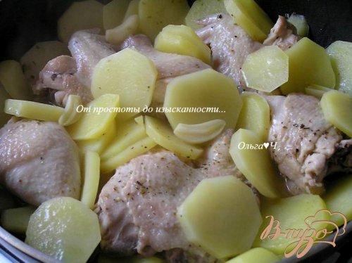 Курица, запеченная с картофелем и лимоном