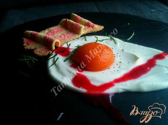 Рецепт Яичница с беконом на десерт