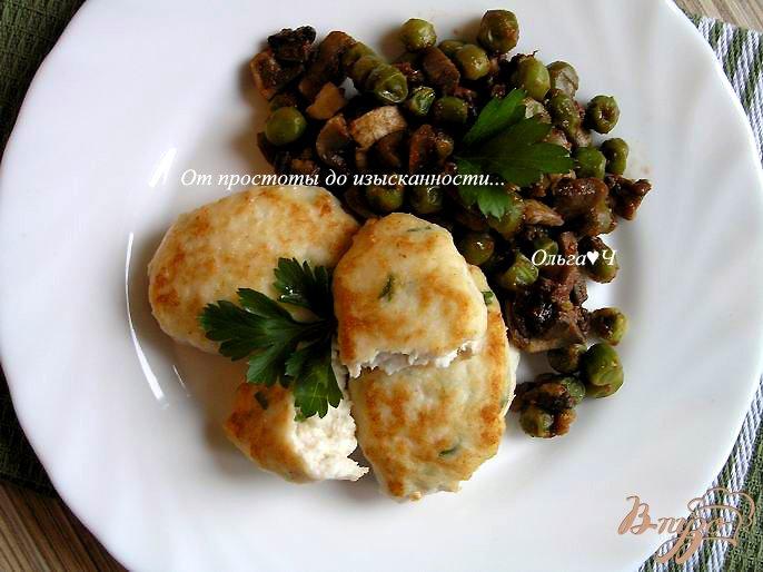 Фото приготовление рецепта: Морбиделле из курицы с шампиньонами и горошком шаг №8