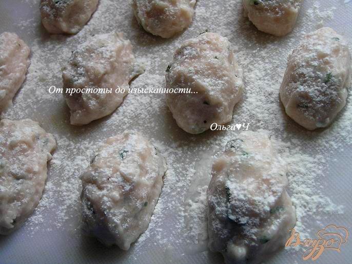 Фото приготовление рецепта: Морбиделле из курицы с шампиньонами и горошком шаг №3