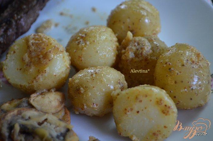 Фото приготовление рецепта: Молодой картофель с горчицей шаг №4