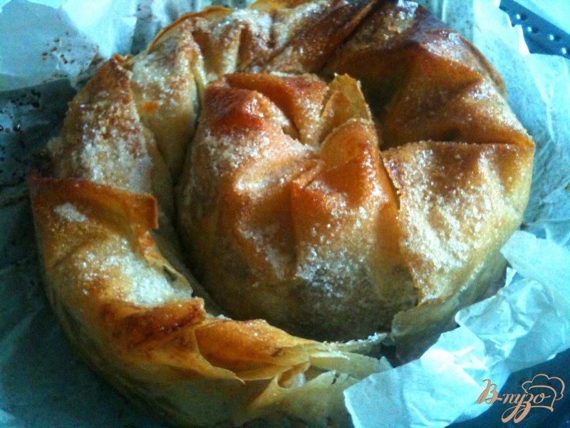 Фото приготовление рецепта: Слоеная улитка с яблоками шаг №11