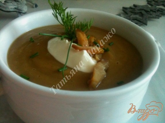 Фото приготовление рецепта: Крем-суп из каштанов и гусиной печени шаг №6