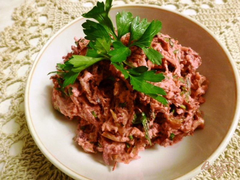 Фото приготовление рецепта: Салат из зеленой редьки и свеклы шаг №3