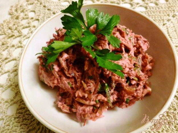 фото рецепта: Салат из зеленой редьки и свеклы