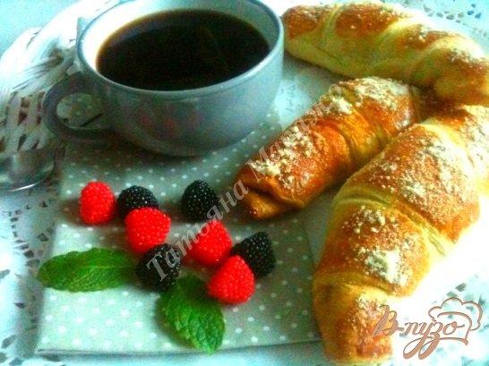 Рецепт Рогалики с черничным конфитюром