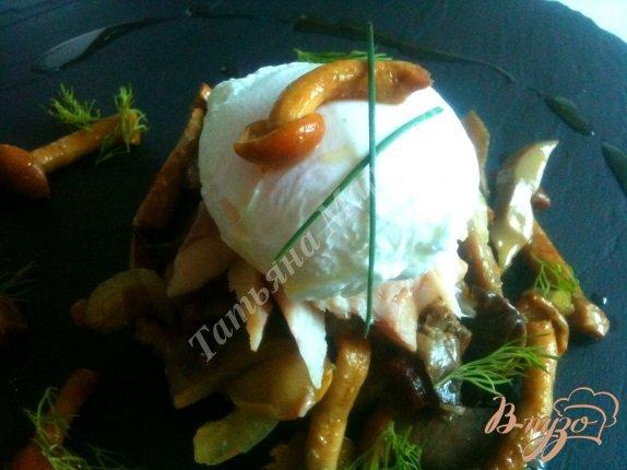 Рецепт Яйца пашот с грибами на крупяных биточках