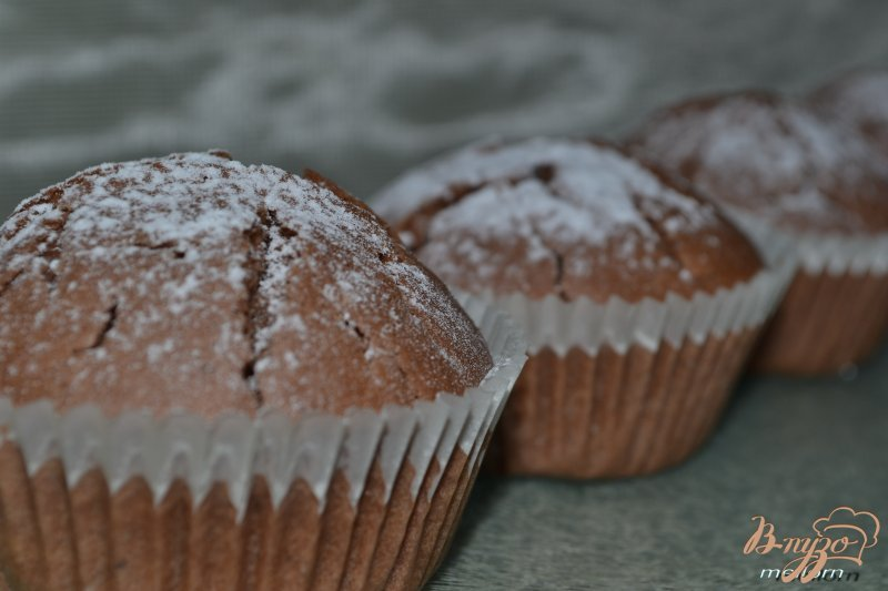 Фото приготовление рецепта: Кексы на кока-коле шаг №5