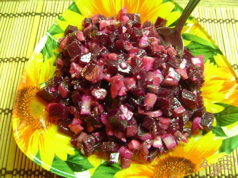 Фото приготовление рецепта: Свекольно-грибной салат шаг №6