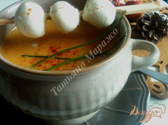 Фото приготовление рецепта: Тыквенный суп с моцареллой шаг №6