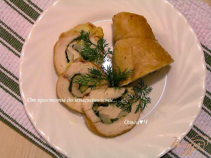 Фото приготовление рецепта: Рулет из куриной грудки с грушей и сыром шаг №6