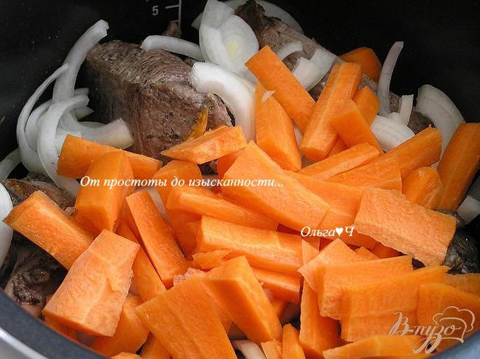 Фото приготовление рецепта: Баранина с морковью в мультиварке шаг №2