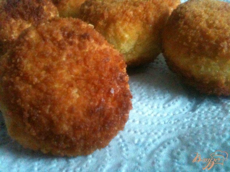 Фото приготовление рецепта: Сыр в рисовой шубе шаг №5