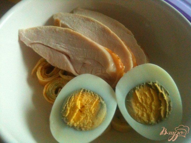 Фото приготовление рецепта: Суп с блинной лапшой на курином бульоне шаг №5