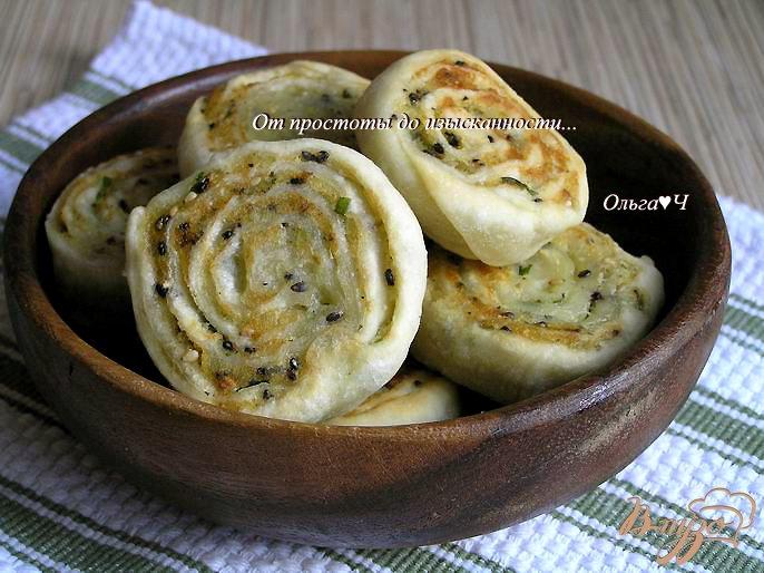 Фото приготовление рецепта: Картофельные рулеты с кунжутом шаг №9