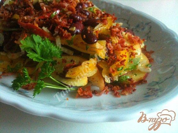 Фото приготовление рецепта: Фасолевый салат с яблоком и беконом шаг №8