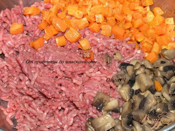 Фото приготовление рецепта: Мясной террин с грибами, овощами и овсяными хлопьями шаг №3
