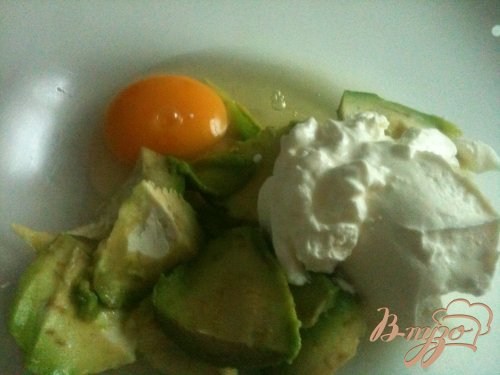 Тарталетки с кремом из авокадо и крабами