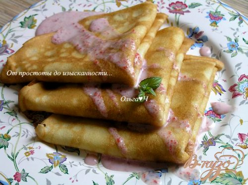Блинчики на кокосовых сливках с розовым соусом