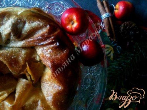 Слоеная улитка с яблоками