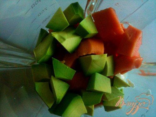 Десертный крем из папайи и авокадо