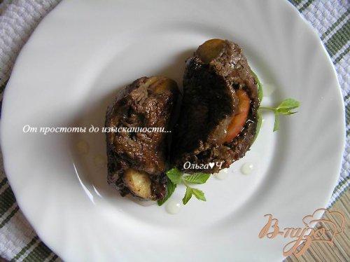 Шницель с яблоком и мятным сиропом