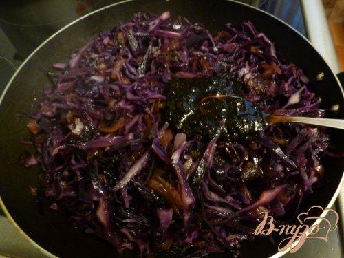 Краснокочанная капуста,тушенная с вином и вареньем из черной смородины