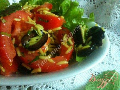 Рисовый салат с помидорами