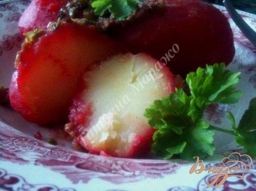 Отварной картофель с поджаркой из ветчины с каперсами