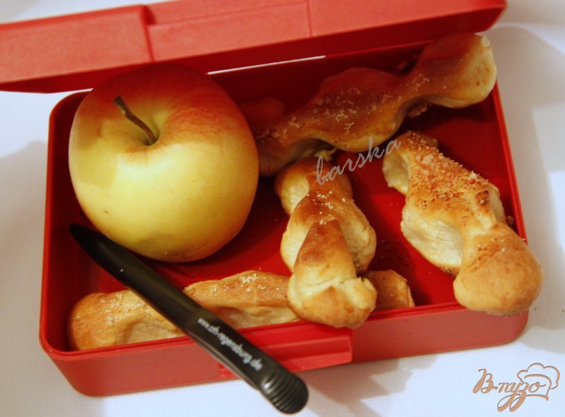 Фото приготовление рецепта: Хлебные палочки с пармезаном шаг №7