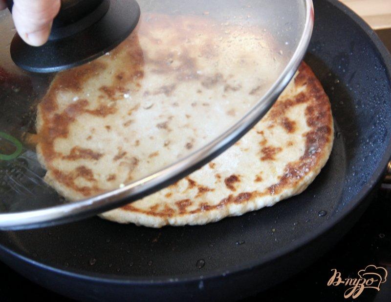 Фото приготовление рецепта: Лепёшки с мясом шаг №7