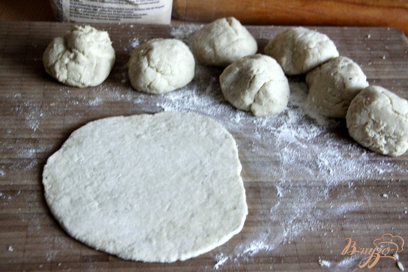 Фото приготовление рецепта: Лепёшки с мясом шаг №5