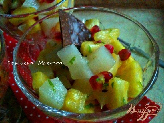 Рецепт Фруктовый салат с ананасом