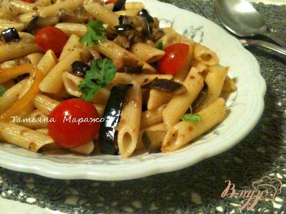 Фото приготовление рецепта: Пенне с баклажанами и сардинами шаг №6