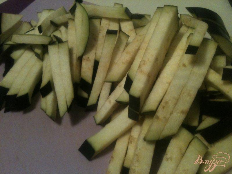 Фото приготовление рецепта: Пенне с баклажанами и сардинами шаг №1