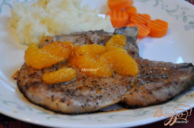 фото рецепта: Свиные отбивные с мандаринами
