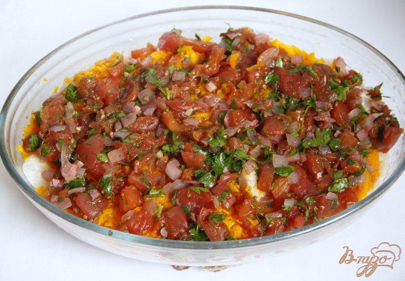 Фото приготовление рецепта: Рыбно-рисовая запеканка  под тыквенно-томатным соусом шаг №8