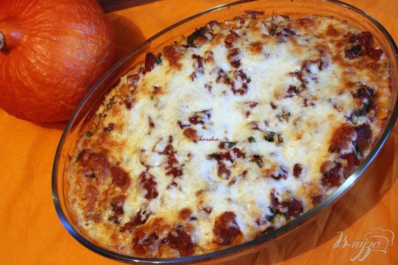 Фото приготовление рецепта: Рыбно-рисовая запеканка  под тыквенно-томатным соусом шаг №10