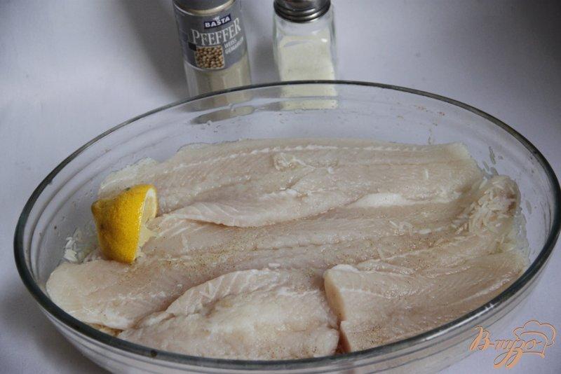 Фото приготовление рецепта: Рыбно-рисовая запеканка  под тыквенно-томатным соусом шаг №6