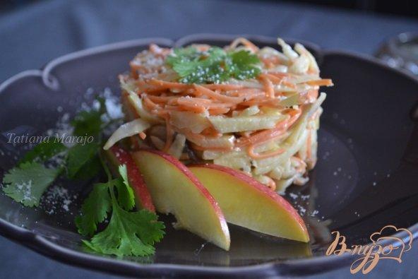 Рецепт Салат из сельдерея, моркови и грибов