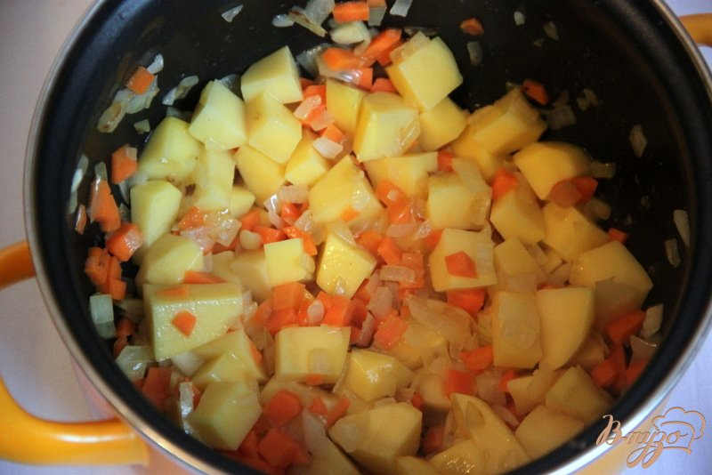 Фото приготовление рецепта: Linseneintopf - густой суп с чечевицей шаг №1