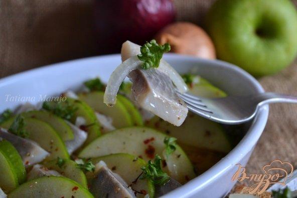 Рецепт Закуска из сельди с яблоком