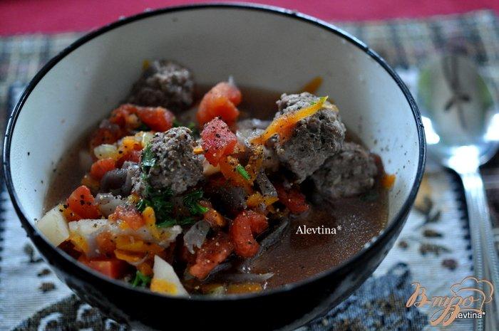 Фото приготовление рецепта: Суп с фрикадельками из говядины шаг №4