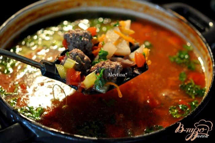 Фото приготовление рецепта: Суп с фрикадельками из говядины шаг №3