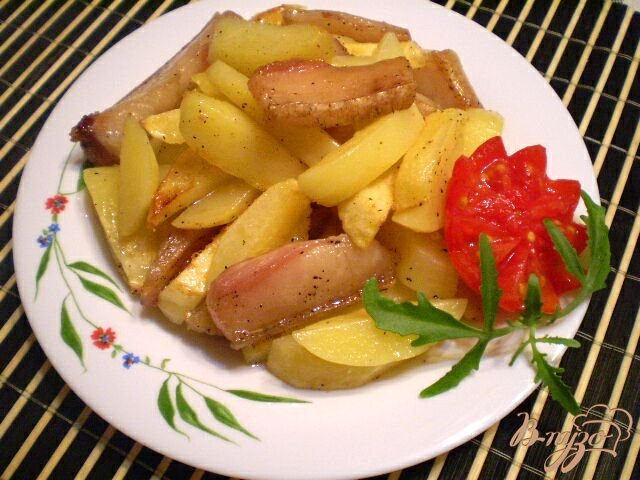 Фото приготовление рецепта: Картофель по-домашнему шаг №4