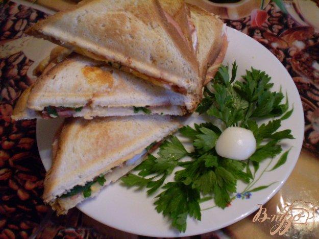 Рецепт Сэндвич с колбасой и яйцом