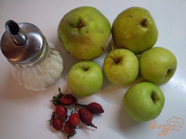Фото приготовление рецепта: Фруктовый компот с шиповником шаг №1